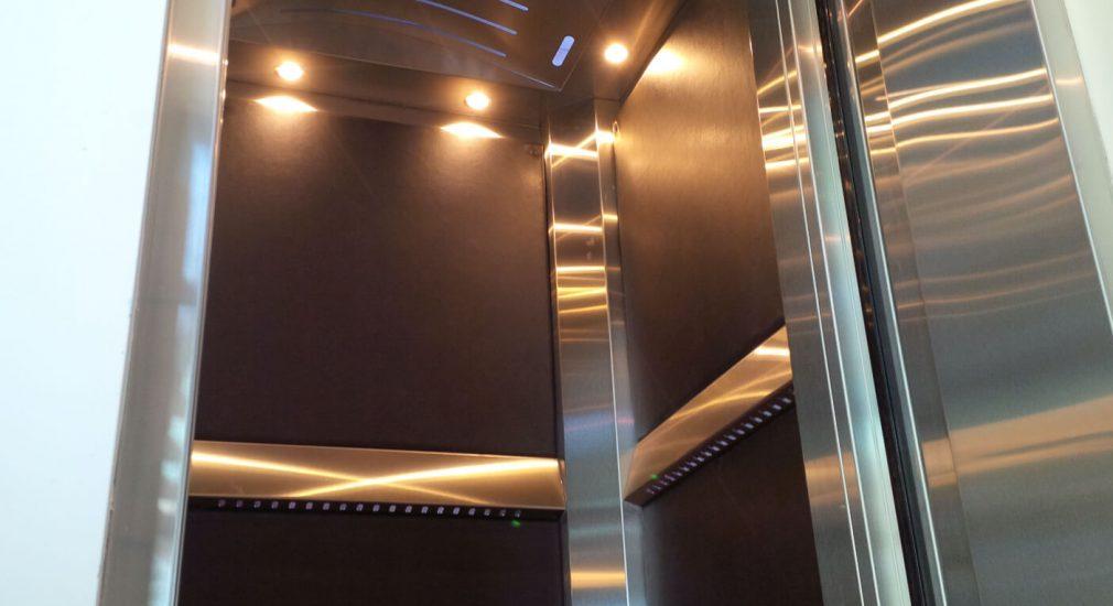 Full-Size Stainless Steel Lift Car | Noddem Elevator