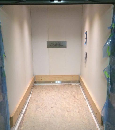 Material Hoisting | Peelle Door | Noddem MM Lift
